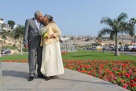 Healthy-image-seniors-romance