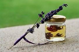 healthy-image-esstential oils